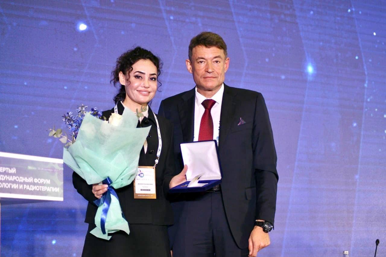 Поздравляем Полатову Джамилю Шагайратовну с почётной наградой!