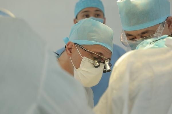 Проведена первая и уникальная операция по реконструкции тазового кольца индивидуальным эндопротезом